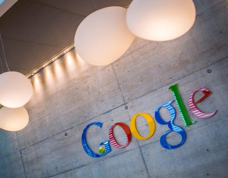Google Fotoğraflar uygulamasına mesajlaşma özelliği geldi
