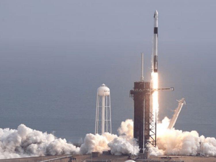 SpaceX'in acil iniş testi gerçekleşti