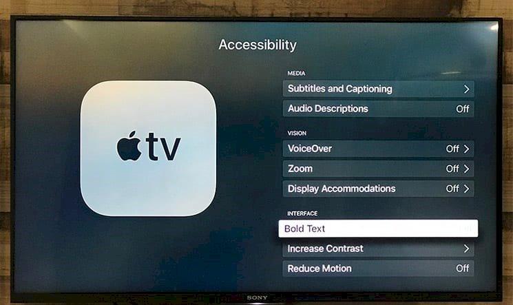 Apple TV'de Metnin Okunmasını Kolaylaştırmak: Kalın Metin