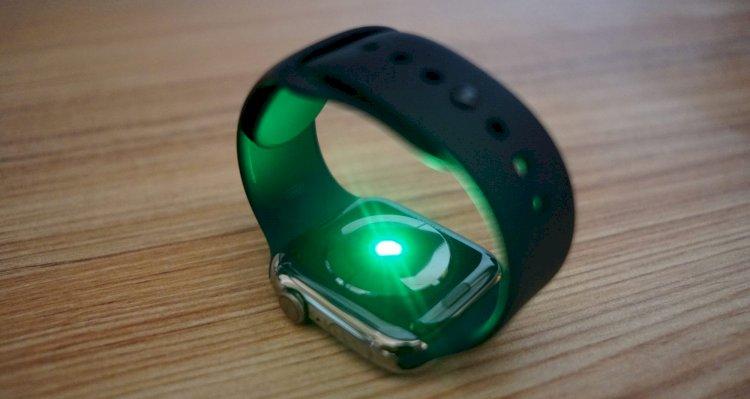Apple Watch için geliştirilmekte olan kan oksijen tespiti ve yükseltilmiş EKG özellikleri